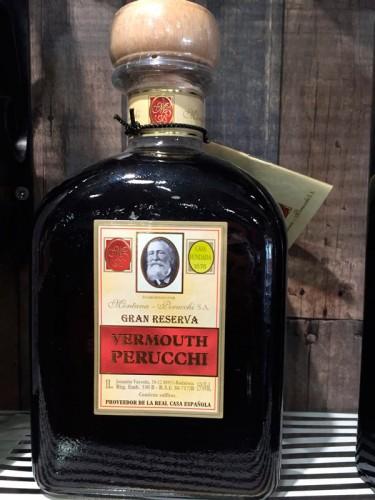 botella de vermut perucchi